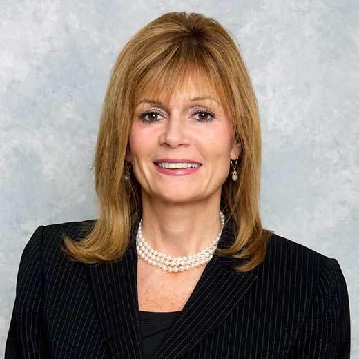 A profile image of Lynne Beardsley.